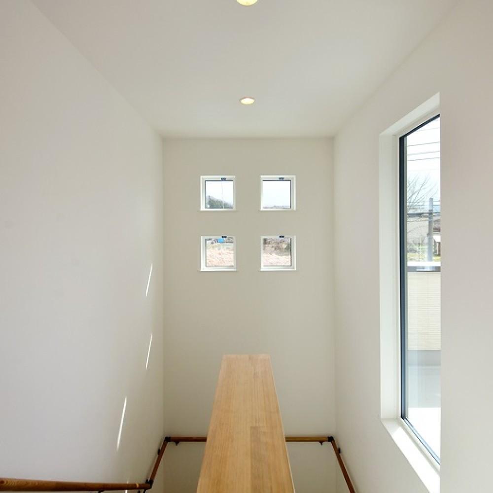 KAJIRAKU NATURAL case.22 – えんぴつ状の土地と四つ窓の家|加茂市|K様邸