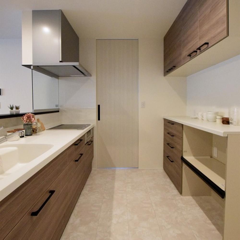 高台に建つ南向きの明るいデザイン住宅|田上町|N様邸