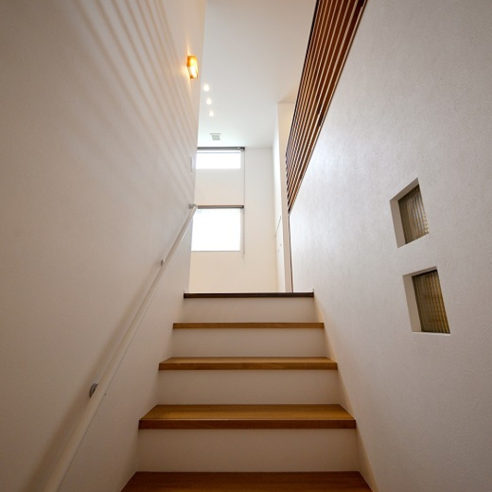 明るさを最大限に取り込む2階リビングの開放感|小千谷市|W様邸