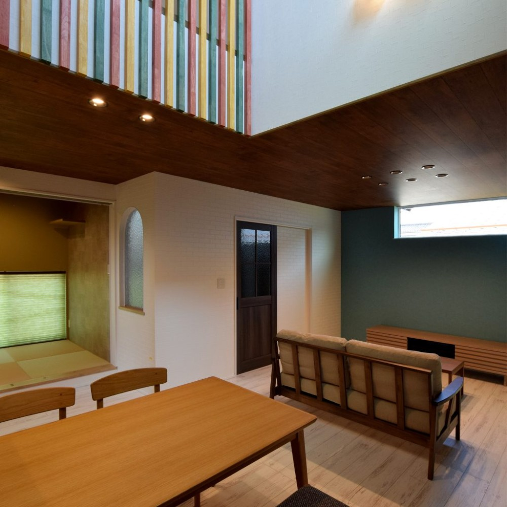 吹抜けの壁でボルダリングができる遊び心のある家 – KAJIRAKU VINTAGE case.31
