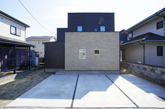 開放感を出し、広さを感じる事のできる家