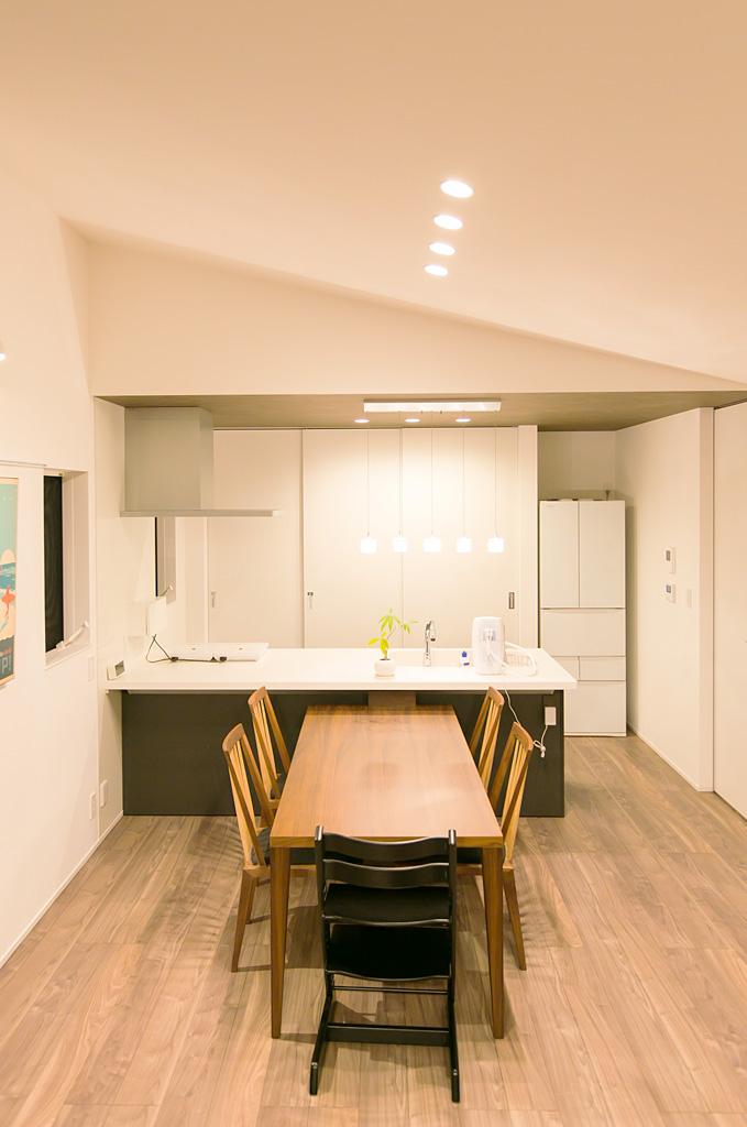 高い天井と大きな窓で開放感のあるAiry House|新潟市東区|S様邸