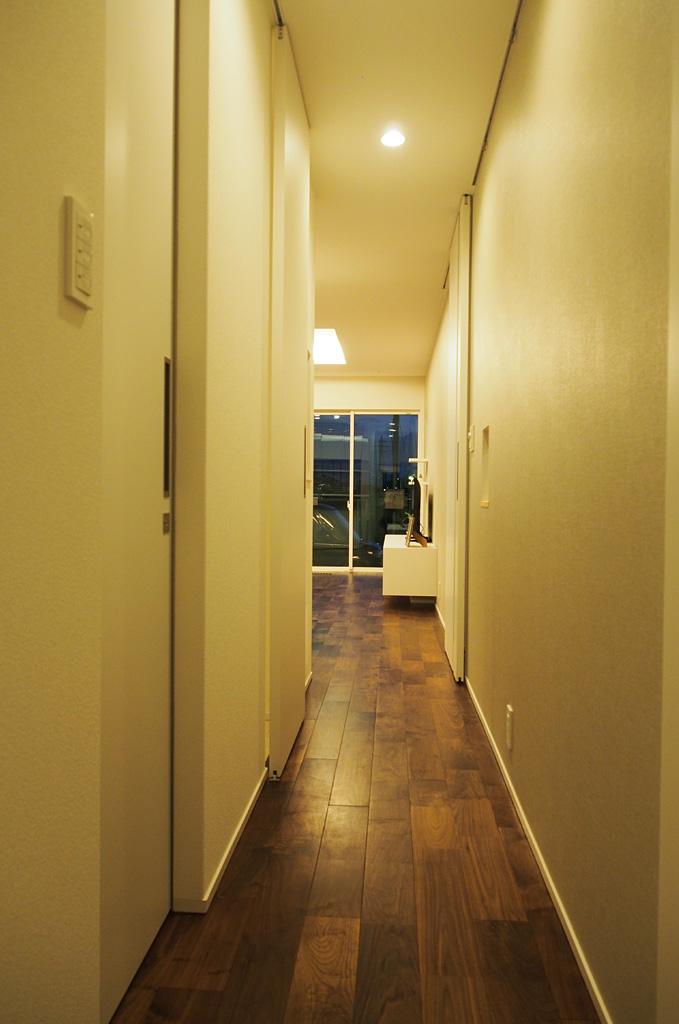 無駄な廊下をつくらずLDKから各部屋につながる。