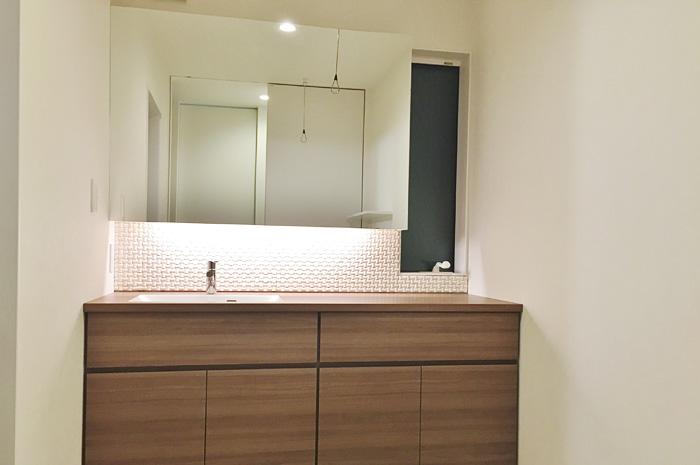 色々なパーツを組み合わせて造る洗面台で、個性を表現する。