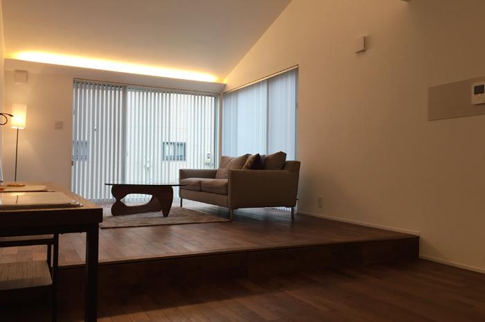 「上質感」漂う洗練されたデザイン 住み心地と洗練のデザインが一つに。「上質感」を備えた開放的で明るいリビングとストレスフリーの生活動線を実現。お施主様の個性を表現したディテールホームの「空間」と「デザイン」が融合。