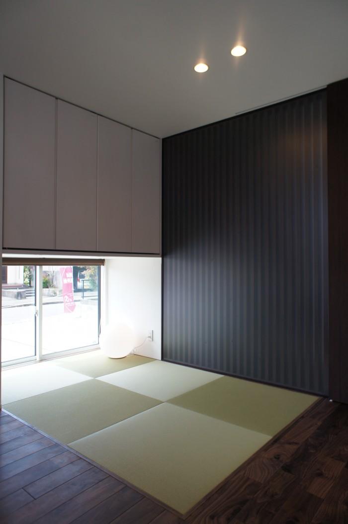 吹き抜けと無垢材が調和する和モダンデザインの家|新潟市北区|T様邸