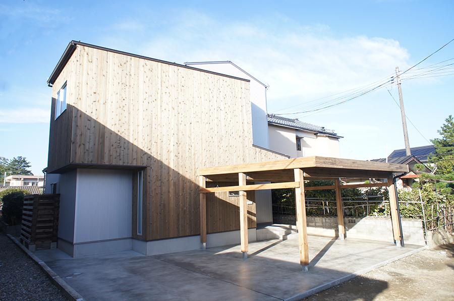 中庭とつながるアウトドアリビング 新潟市東区 K様邸