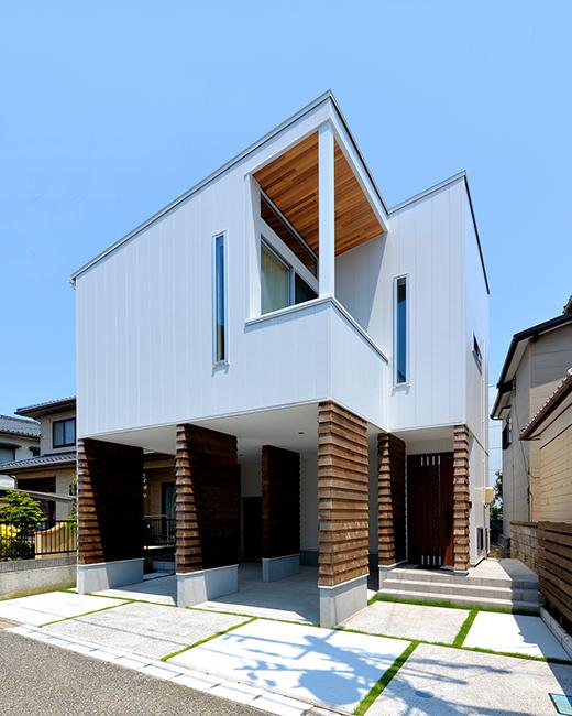 白と木のシンプルなデザイン