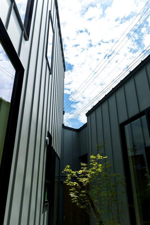 中庭を囲む斜めの家|燕市|F様邸