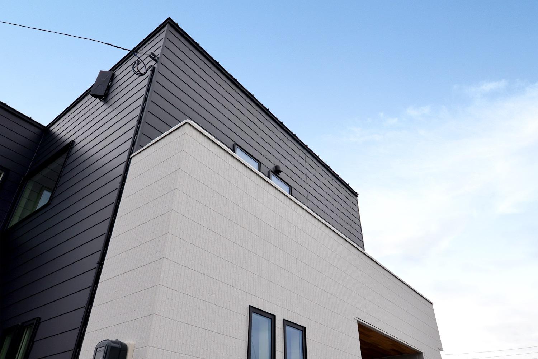 長岡市|シンプルデザイン ~ モノトーン 白・黒 ~|完成見学会