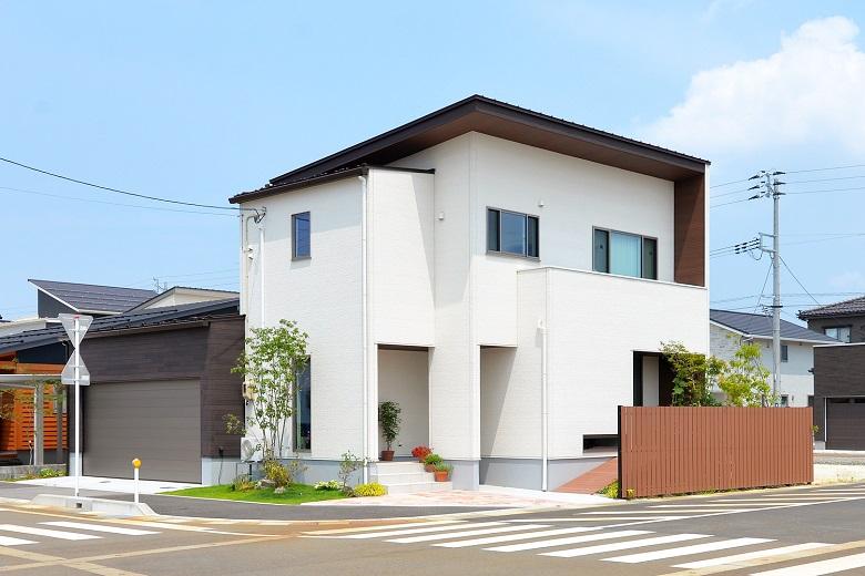 インナーガレージのある二世帯デザイン住宅|長岡市|T様邸