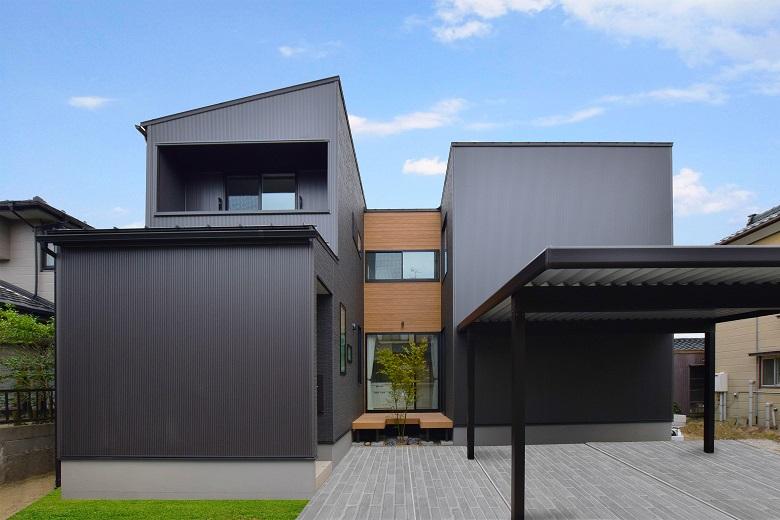 広がりをつくる中庭のある家 新潟市西区 K様邸