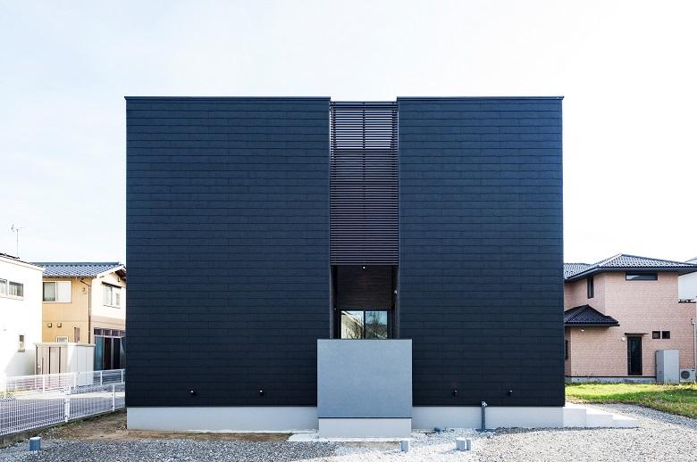 【4/12まで】新潟市西区内野モデルハウス|グレージュのコントラストが際立つ大空間