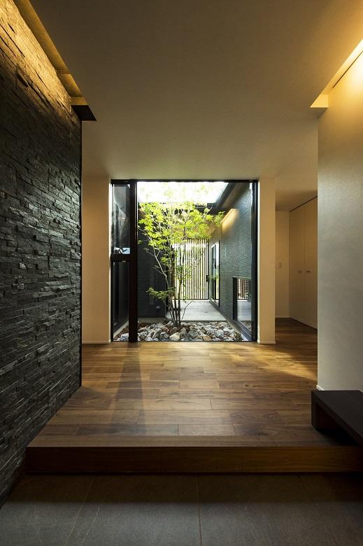 玄関・シンボルツリー